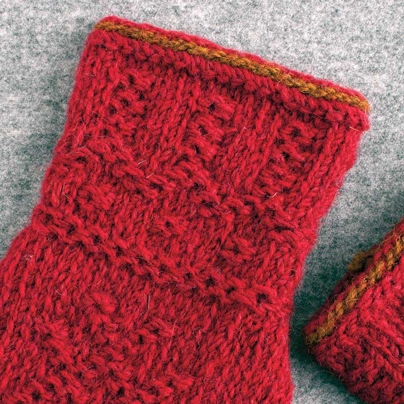 Twined gloves detail