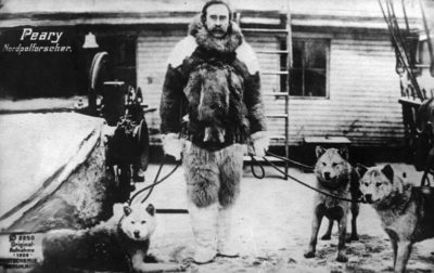 American explorer Robert Edwin Peary (1856 - 1920) at his base on return from the North Pole with his huskies. (Photo by Hulton Archive/Getty Images)