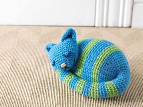 Amigurumi Black Cat Door Stopper : Sleepy Kitty Doorstop - Interweave