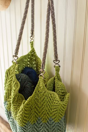 Cabled Ripples Tote closeup