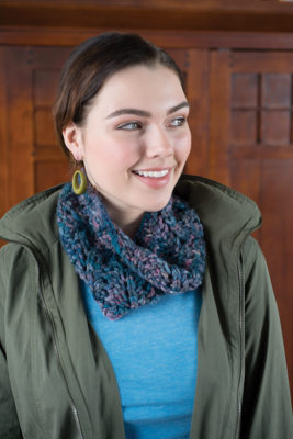 Supernova Cowl knitting pattern designed by Lisa Jacobs