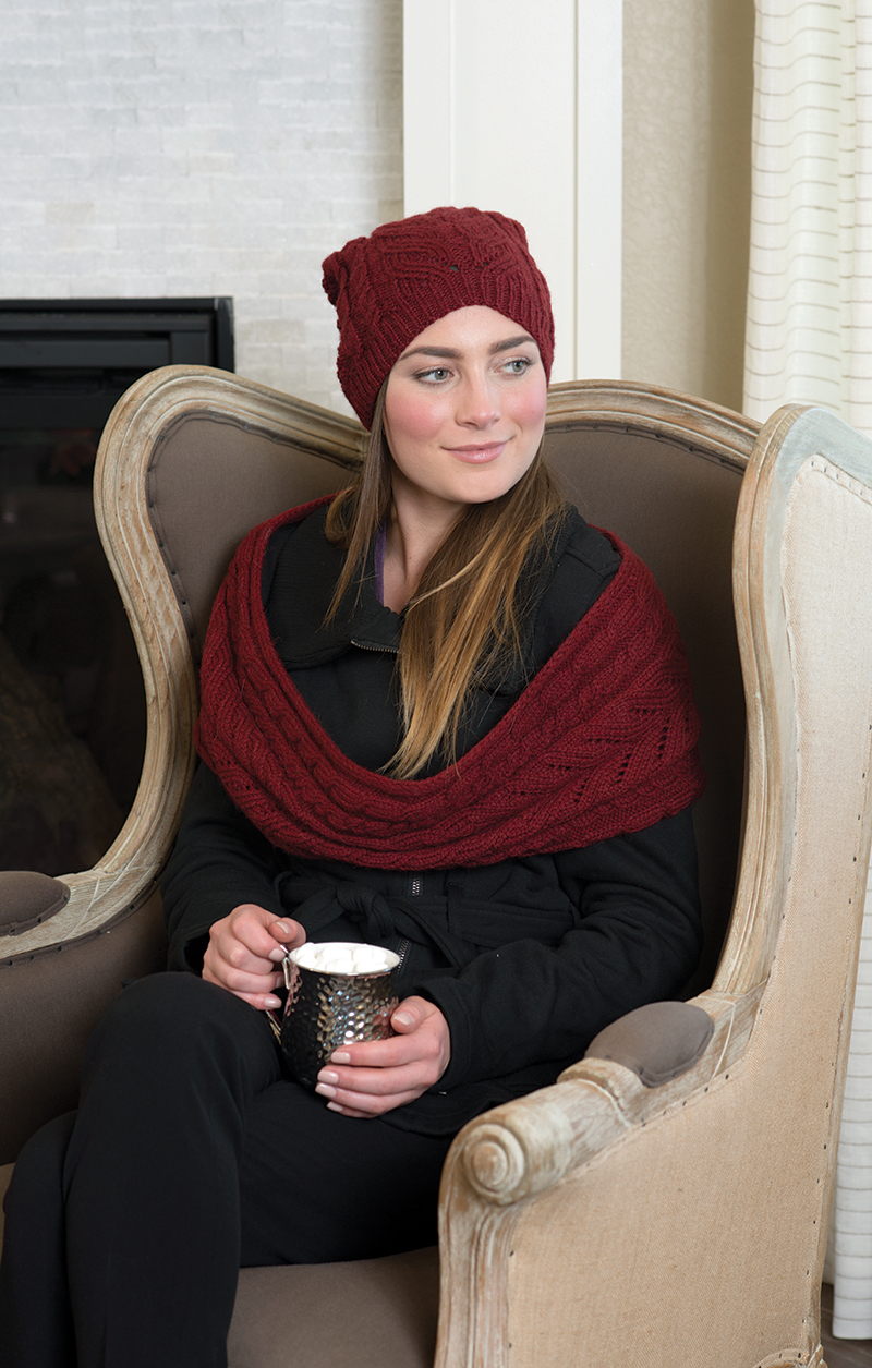 Lytle Infinity Scarf & Hat knitting pattern designed by Lynn Di Cristina from Love of Knitting Winter 2016.