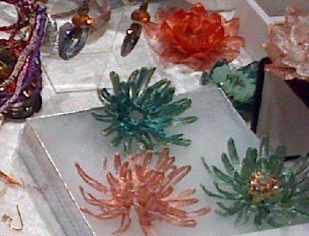 WireLace FunJig spider mum flowers