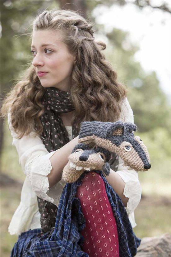 Crochet Ever After: Crochet Wolf Mittens
