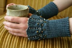 knit fingerless mitts