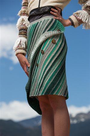 Aslant Skirt buttons