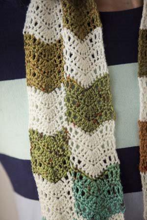 It Girl Crochet: Crochet Chevron Scarf