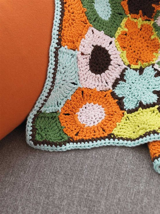 Unexpected Afghans: Crochet Motif Afghan