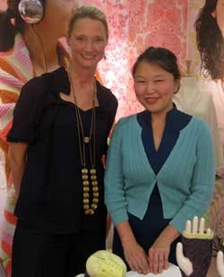 Eunny Jang visits with designer Amy Butler about her signature line of yarns