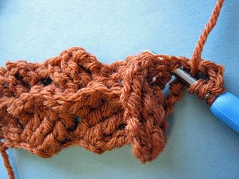 Edgeless Crochet Cables: Beginning the third row.