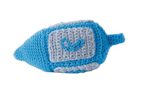Learn how to crochet a Dreidel in this free eBook on crochet holiday patterns.