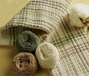 These handwoven towel weaving projects are perfect for learning the four-shaft loom.