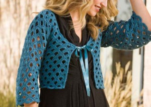 The Arc de Triomphe Cardigan features a simple lace pattern that makes this crochet top pattern fun to complete.