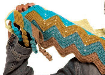 Crochet this zig-zag scarf with this innovative crochet edging technique.