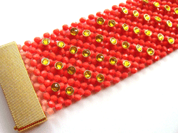 You have to try these right-angle weave beading projects that include endless possibilities for the types of variations you can create!