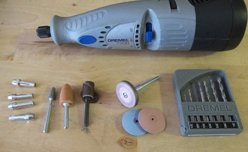 My cordless jewelry Dremel Model #7700 and its accessories.
