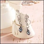 You'll love making these wire earrings by Sharilyn Miller that are perfect for any occasion.