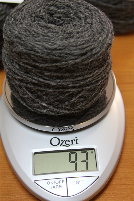 Great yarn yardage calculator method for determining amount of yarn from an unlabeled skein involves weighing your yarn.