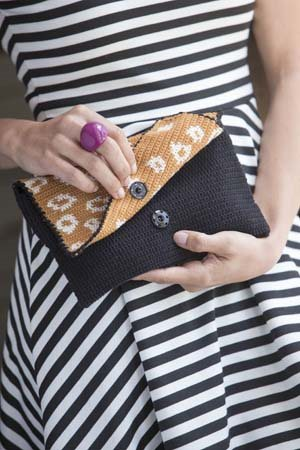 It Girl Crochet: Clutch