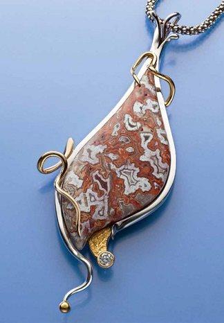 Kaily Agate pendant by John Heusler, GG