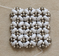 Learn how to make beaded jewelry with two-holed seed beads with these 5 experts tips that will teach you how to create unbeatable seed bead jewelry designs.