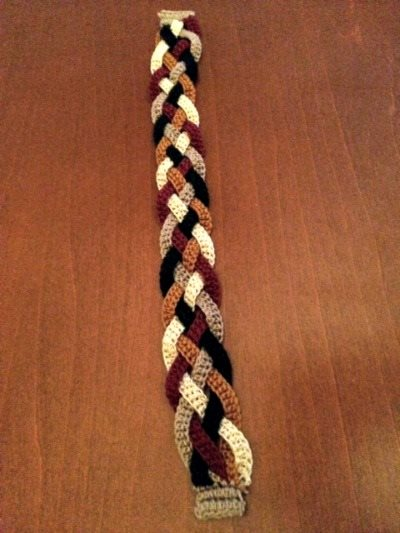 Rapunzel Scarf: This crochet bracelet is easy to crochet and braid.