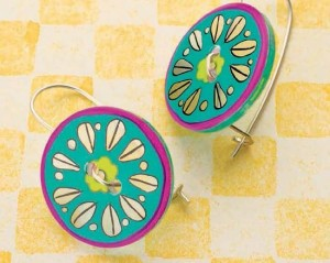 Learn how to make button earrings in this jewelry making for beginners eBook.