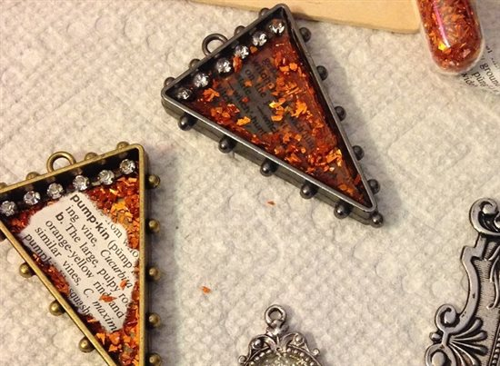 resin bezel Halloween pendants jewelry