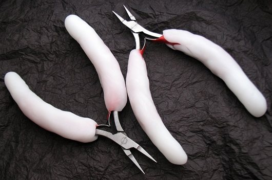 thermoplastic modified micro pliers for chain maille