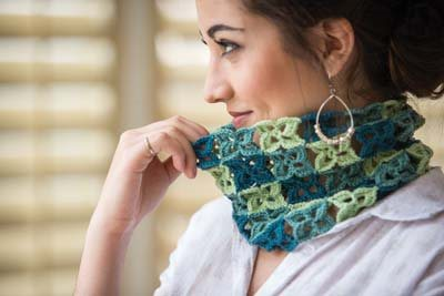 Crochet So Lovely: Crochet Motif Cowl