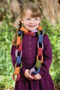 You'll love making this holiday crochet pattern, the pipe chain scarf.