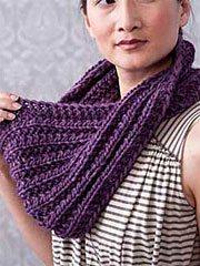 Free infinity scarf knitting pattern: Mobius.