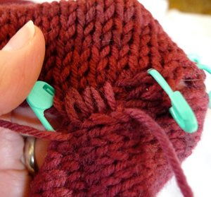 Knitting Fix Loose Stitches : Seaming A Sleeve Cap Tutorial: Part 2 - Interweave