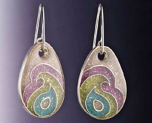 Learn how to make resin jewelry, such as these resin drop earrings, in our free ebook.