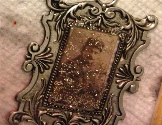 Halloween jewelry ghost portrait glitter and resin pendant