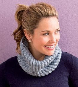 Learn how to knit this basic brioche stitch cowl in our free guide.
