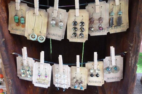 Jewelry business how to sell handmade jewelry at craft for How to make a ring display for craft shows