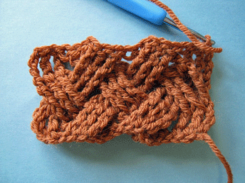 Edgeless Crochet Cables: Completed swatch with RS facing.