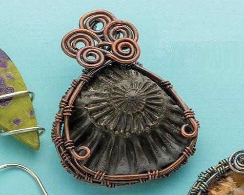 Basketweave wire bezel by Janice Berkebile