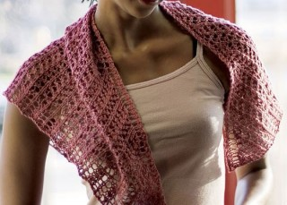 You'll love knitting the Arrowhead Shawl in this free knitting lace ebook.