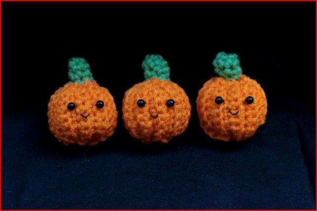 Amigurmi-Petite-Pumpkins
