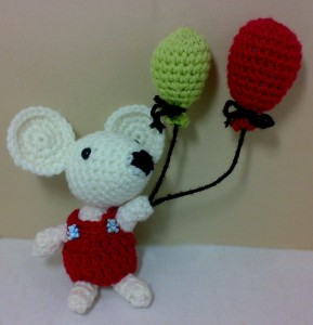 Amigurumi-Chiyo-The-Imaginative-Mouse