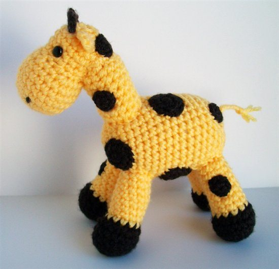 Amigurumi-Ellie-the-Giraffe3