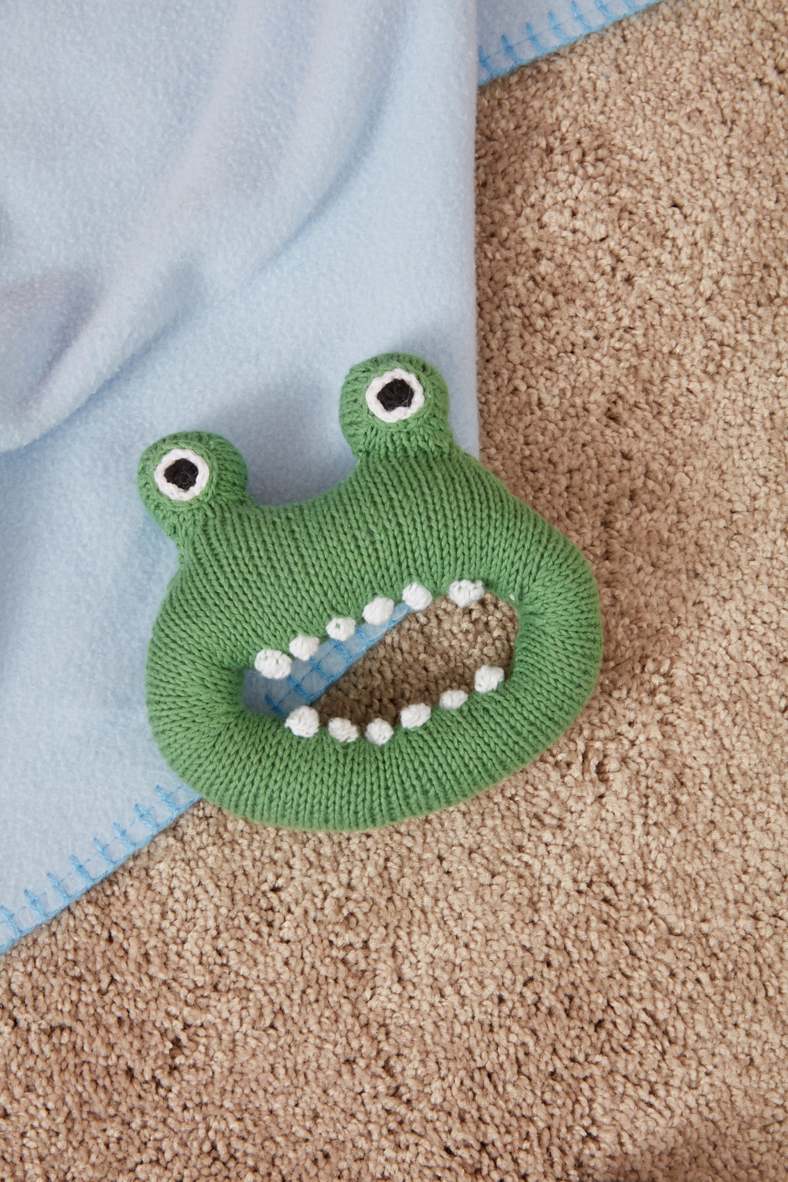 Silly Monster Rattle to knit