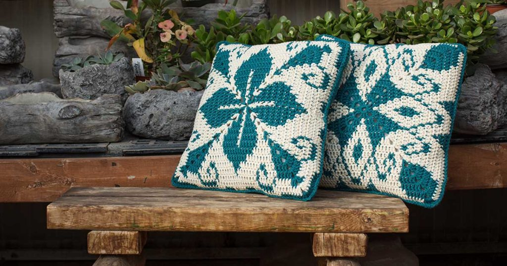 <em>Interweave Crochet</em> Spring 2018: Azul Pillows