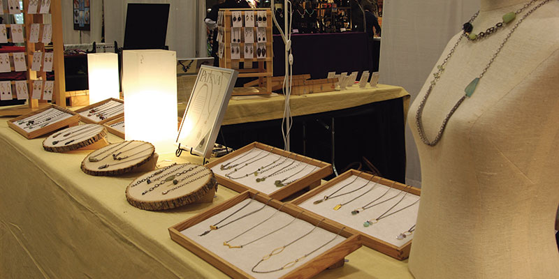 Handmade Jewelry Business: 7 Top Tips to Keep Your Customers Coming Back
