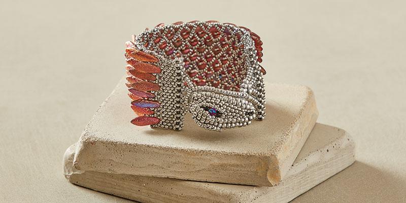 Try Freeform Peyote Stitch to Bead a Dramatic Dragon Bracelet
