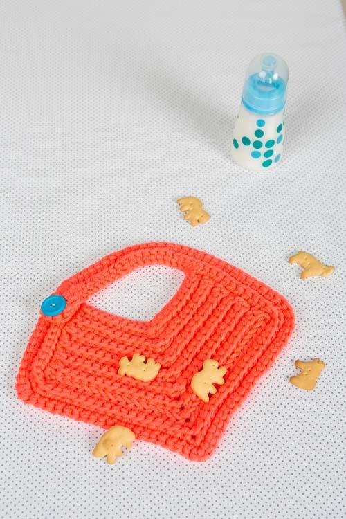 Bebe Bib Crochet Pattern