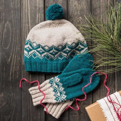 Changing Diamonds Hat and Mittens Set