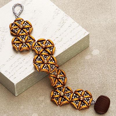Carousel Bracelet beadweaving design by Kimie Suto
